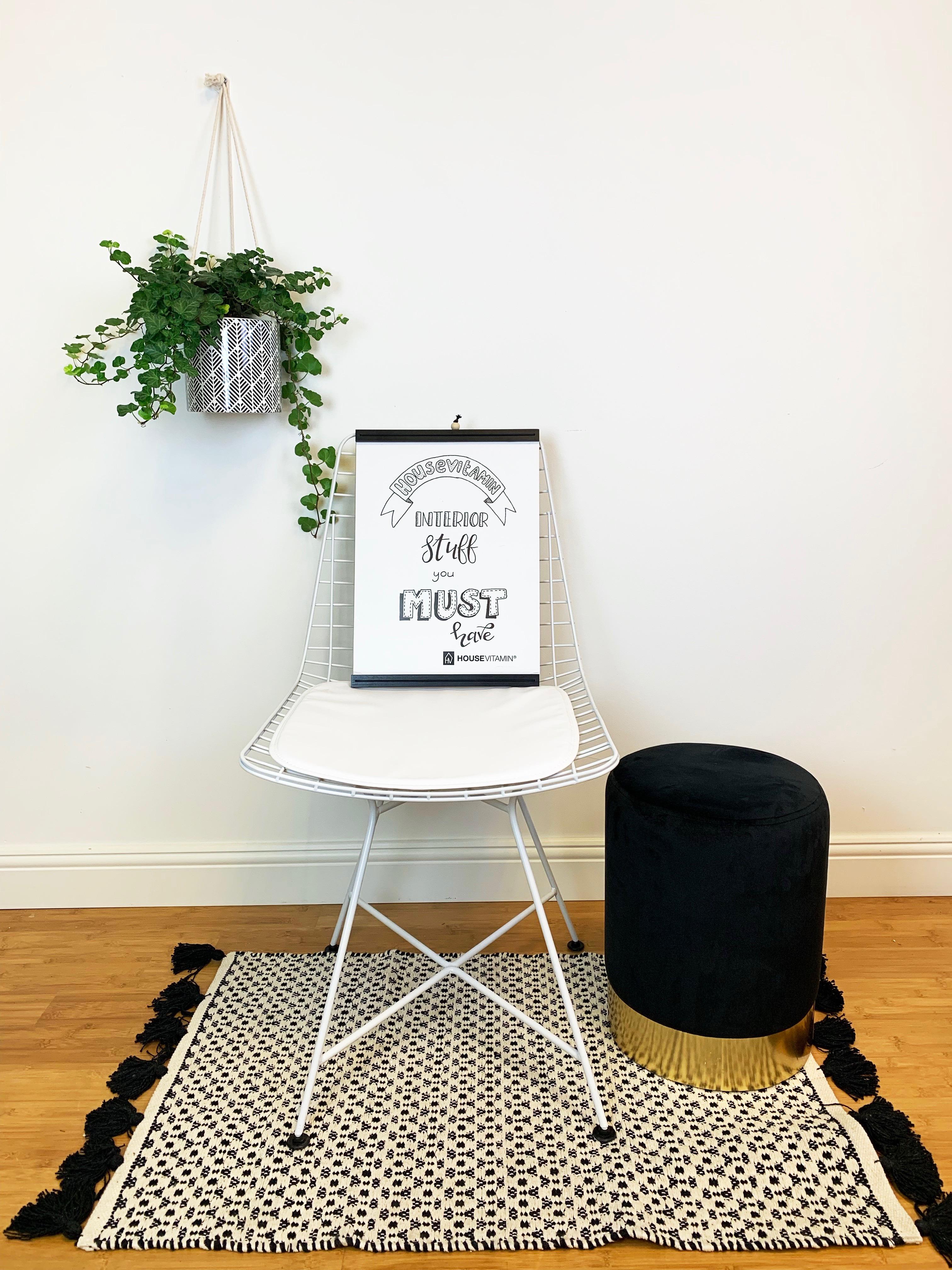 HouseVitamin bonbon pouf en ijzeren stoel klein-meubelen